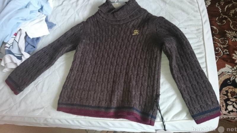 Продам свитер-полувер новый