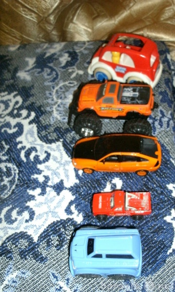 Продам Машинки для деток