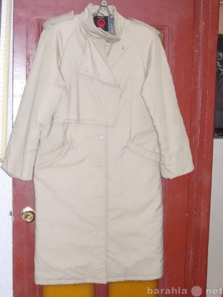 Продам: Пальто - плащ жен.