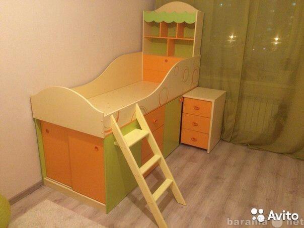 Продам Кровать со столом комбинированная и шкаф