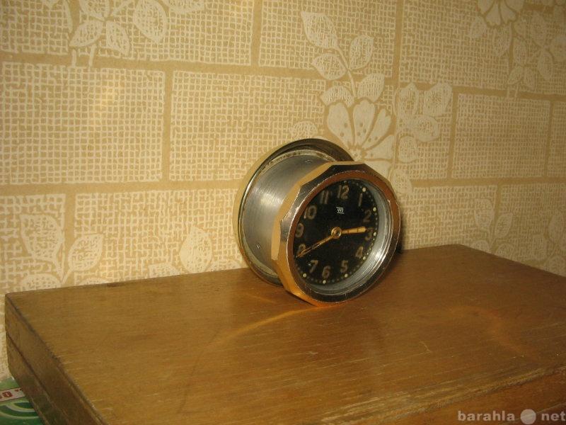 Продам Часы  (ретро) на авто