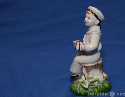 Продам: статуэтка Морячок с гармошкой лфз в/с