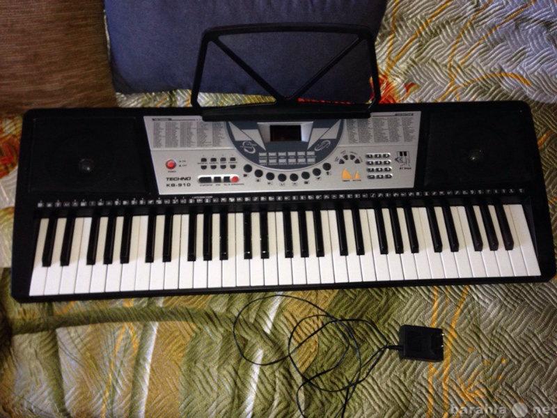 Продам Синтезатор Techno kb-910