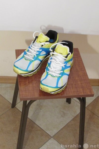 Продам новые кроссовки 43 р фирмы Airmax