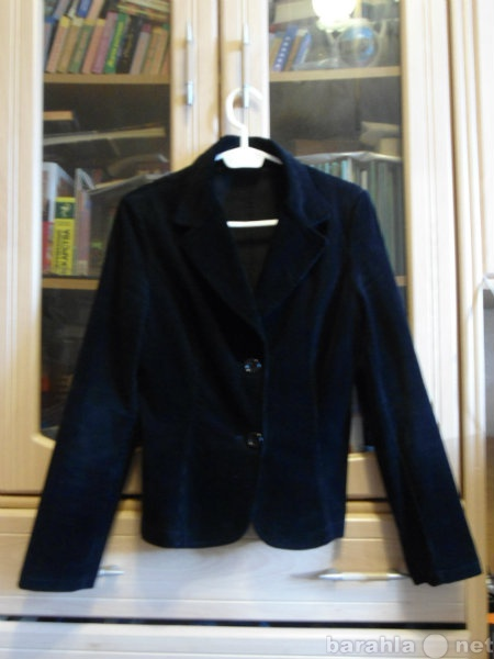 Продам Черный велюровый пиджак