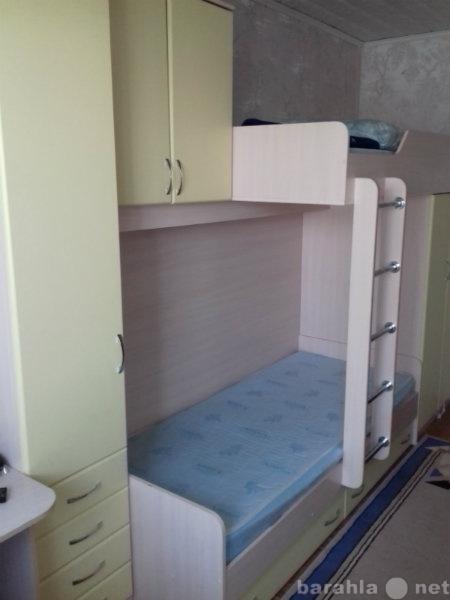Продам: кровать двухъярусную