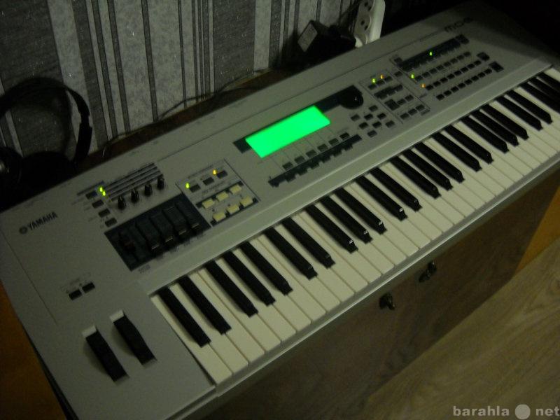 Продам Профессиональный синтезатор Yamaha MO6 .