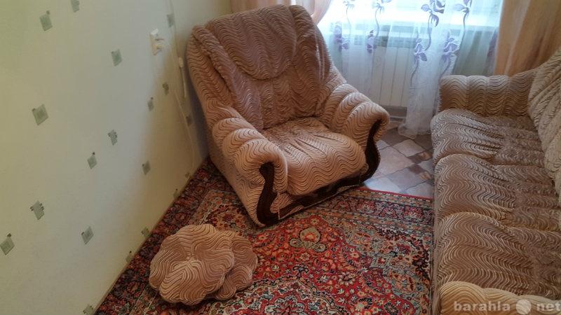 Продам диван и 2 кресла в одном дизайне