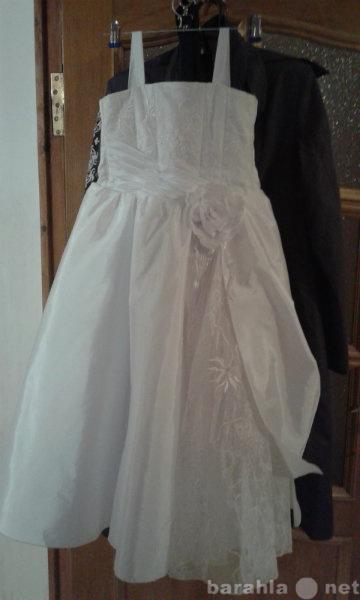 Продам Нарядное платье  на девочку 7-8 лет