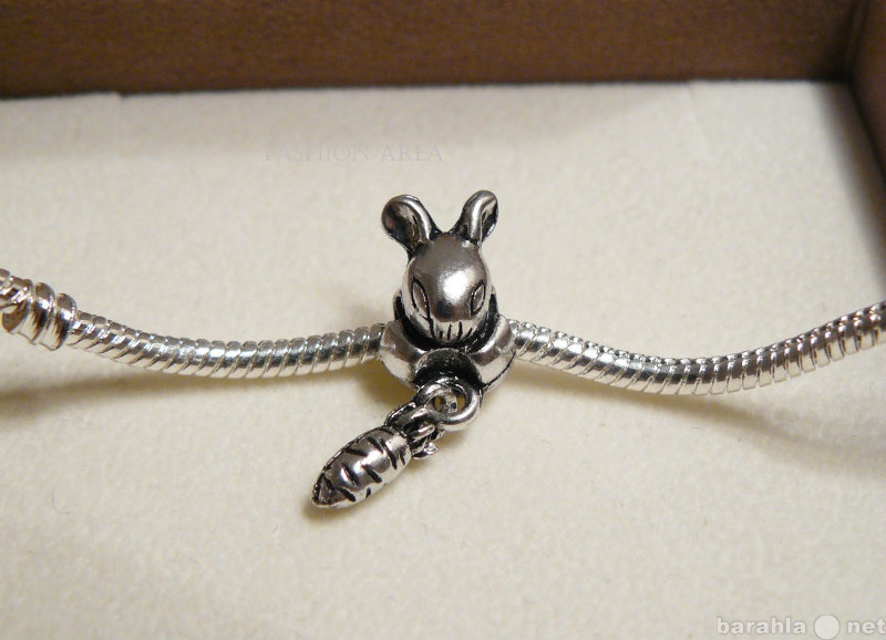 Продам Шарм Rabbit Carrot Silver (S57)