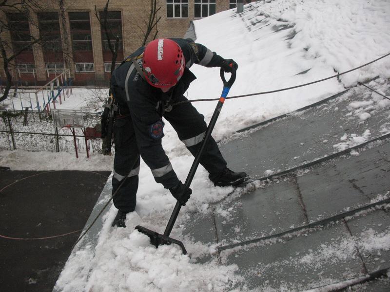 Предложение: Очистка кровли от снега и наледи