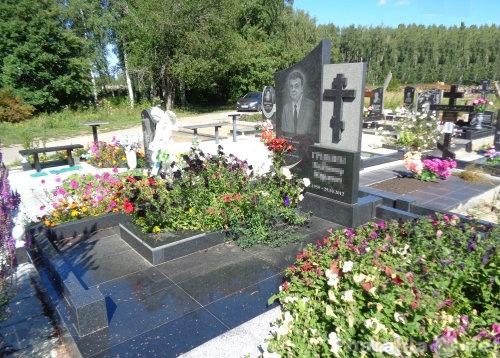 где купить памятник на могилу в краснодаре