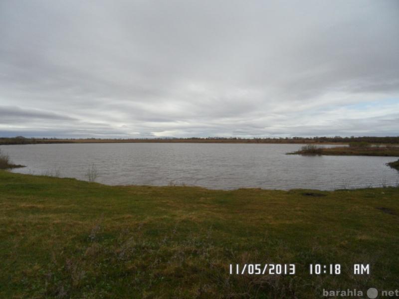 Продам: земельный участок с озером